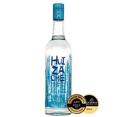 Ein guter mexikanischer Tequila Blanco von Huizache und World Spirits Competition Gewinner