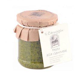 Italienisches grünes Pesto aus Basilikum