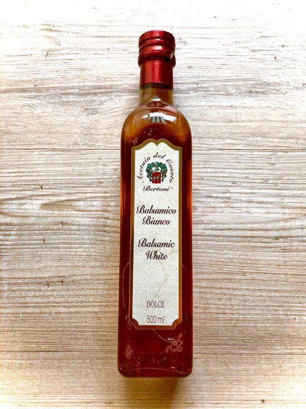 toller weißweinessig aus italien, ein perfekter salatbegleiter