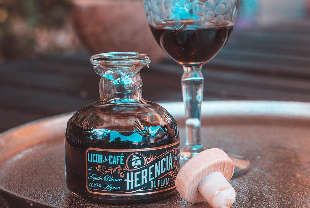 Herencia de Plata - Kaffeelikör genießen