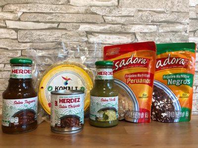 mexikanisches Taco Set, Tortillas, Salsa und Bohnenmus