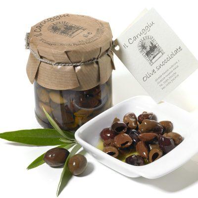 handverlesene ligurische oliven in salzlake